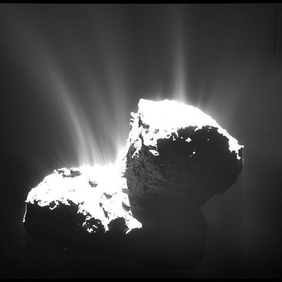 Comet_activity_22_November_2014-550x550